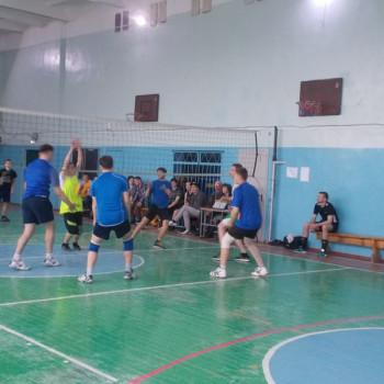 Соревнования по волейболу юноши и девушки